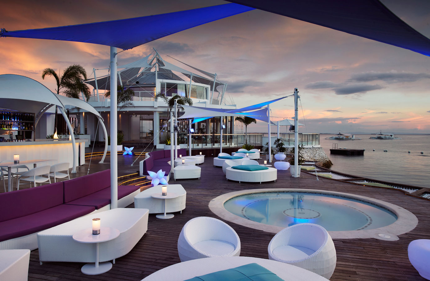Ibiza-Cebu's-outdoor-lounge