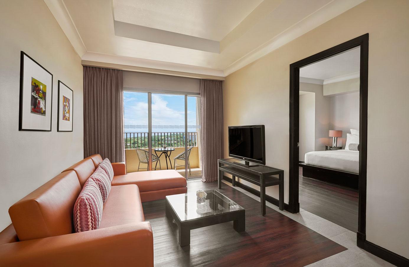 Suite-King-Peninsula-View-(1)