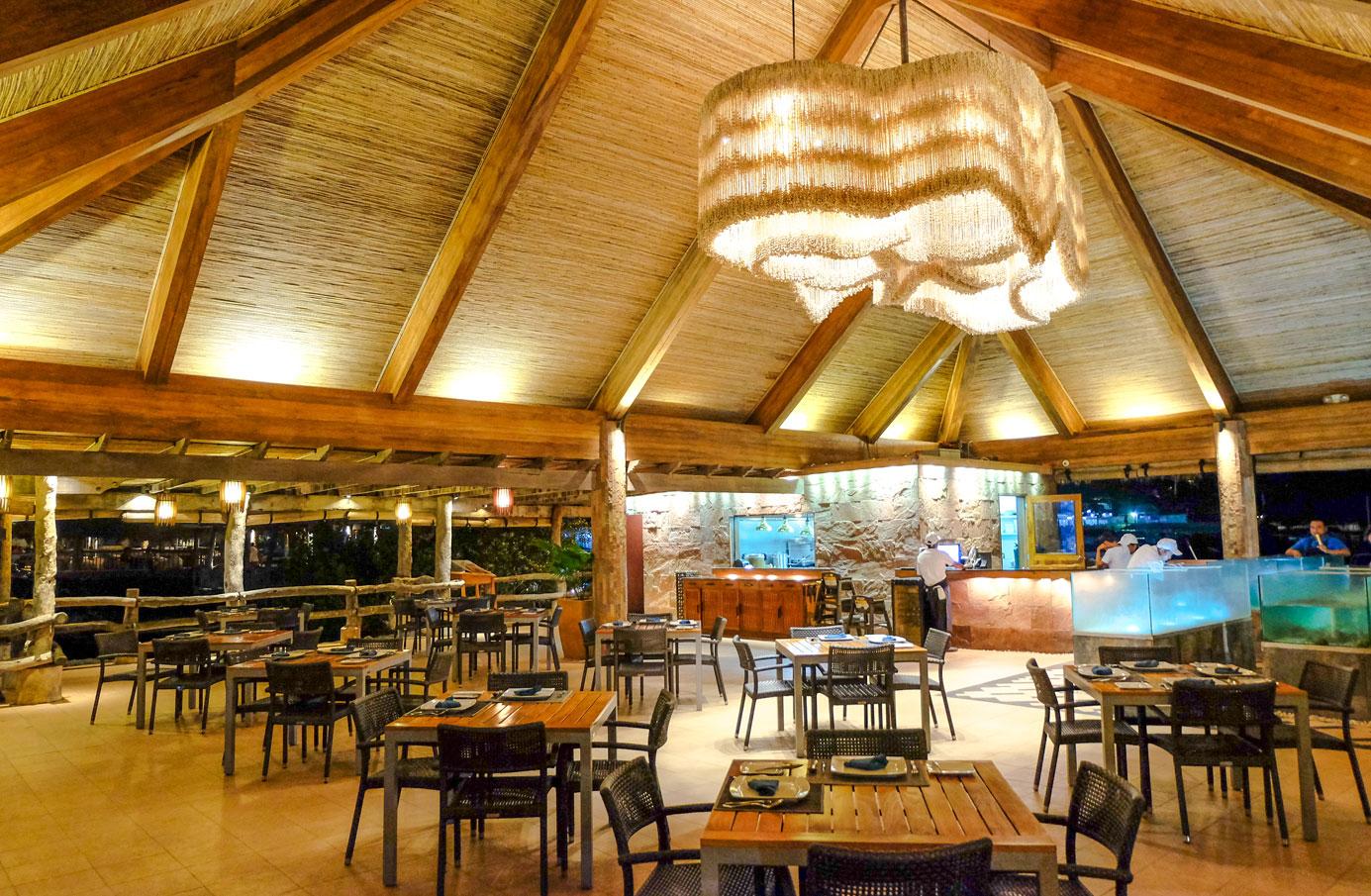 ©BluewaterMaribago-Cove-LiveSeafoodRestaurant-01