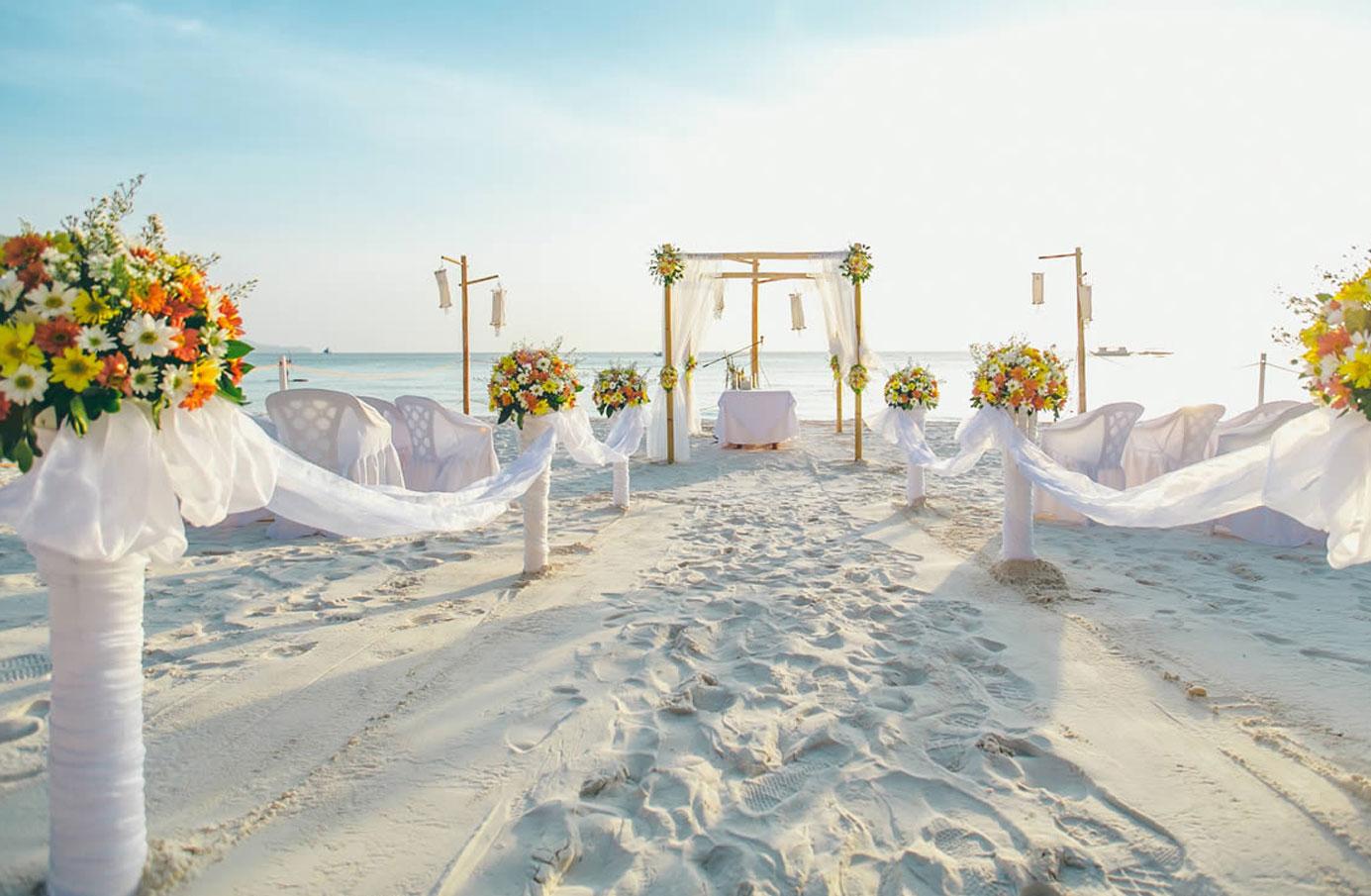 ボラカイ島結婚式 フライデーズボラカイ ボラカイウエディング