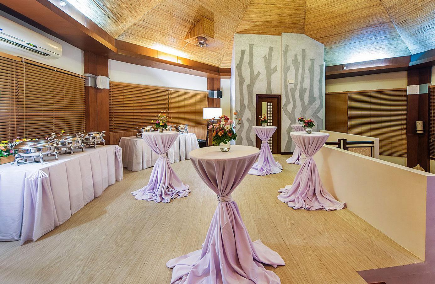the-bellevue-resort-boardroom