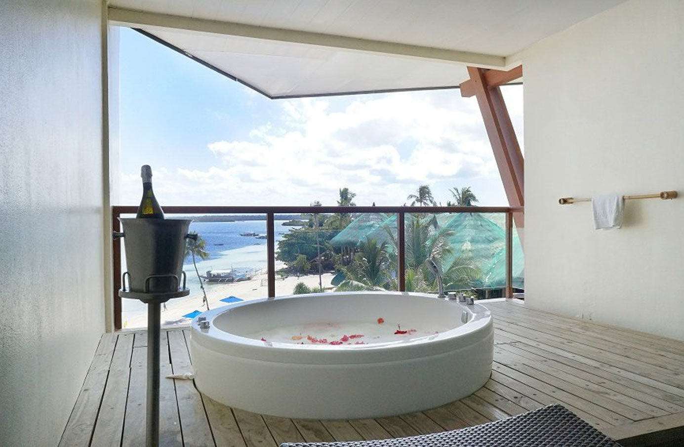 the-bellevue-resort-bohol-(1)