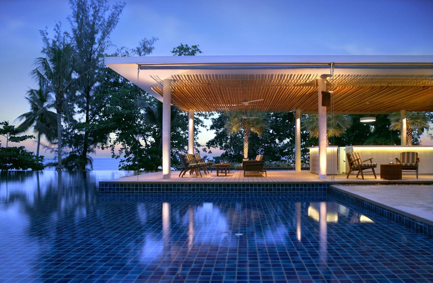 010—Hyatt-Regency-Phuket-Resort—The-Pool-Bar