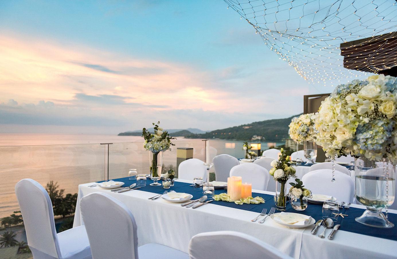 PHUHR_P257_Wedding_Dinner_Hilltop_Regency_Suite_Terrace